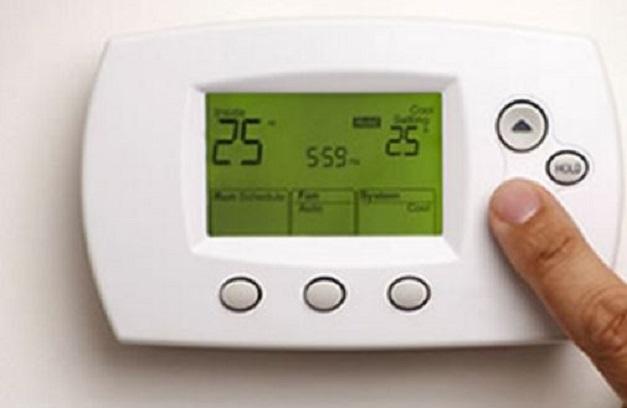 La climatización de la vivienda puede ir desde el cambio de persianas hasta la instalación de sofisticados sistemas de domótica.